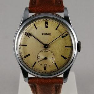 Tudor-rannekello, 1940-luku, edestä